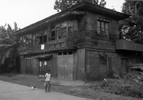 Galingsa Bahay Kubo sa Bahay na Bato